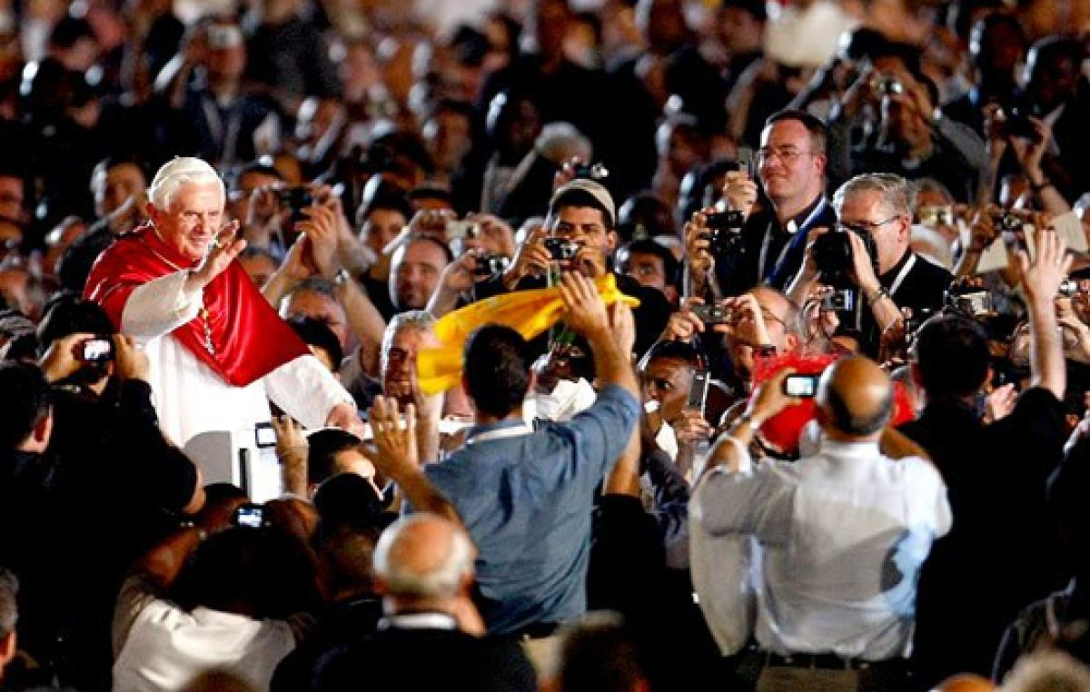 Bento XVI encerra Ano Sacerdotal com 15 mil sacerdotes na Praça São Pedro